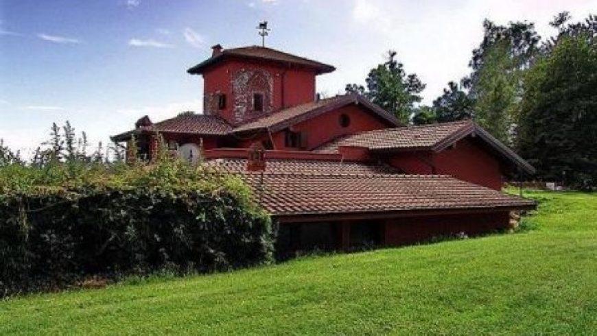 Vendesi Villa Di Prestigio – Pombia (NO) – Rif.10002