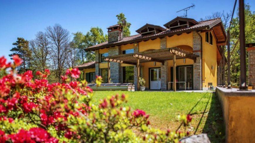 Vendesi Villa Di Prestigio/Lusso – Agrate Conturbia (NO) – Rif.LV003