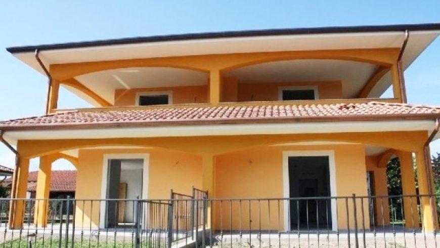 Vendesi Villa Bifamiliare di Nuova Costruzione – Varallo Pombia (NO) – Rif.10038