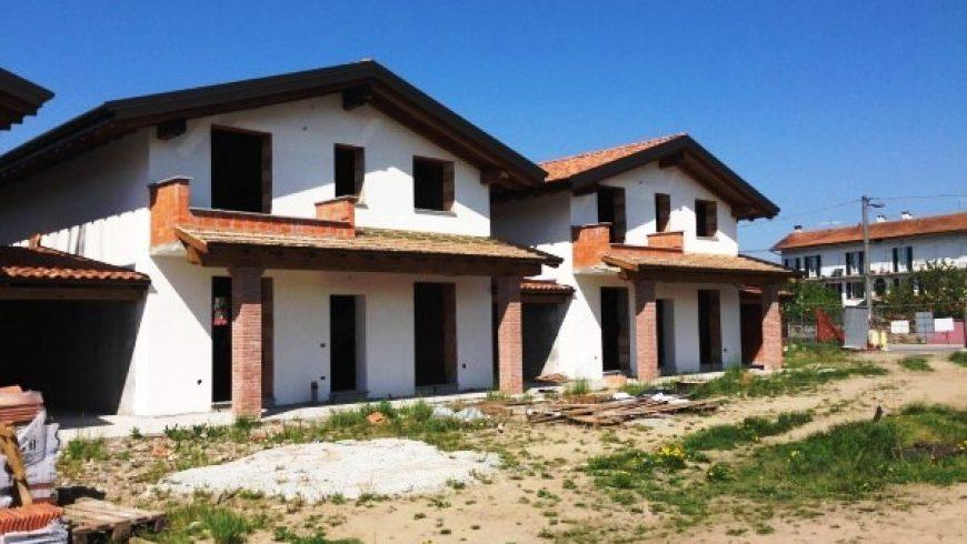 Vendesi Villa Bi/Trifamiliare – Borgo Ticino (NO) – Rif.10012