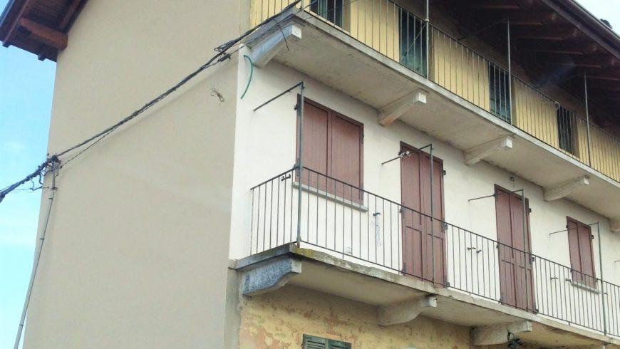 Vendesi Stabile/Porzione di Casa – Varallo Pombia (NO) – Rif.20041