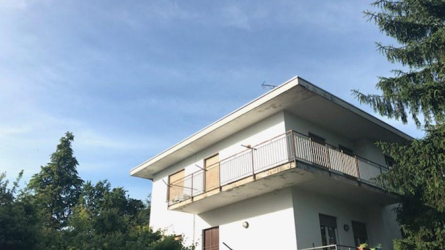 Vendesi Villa Indipendente – Castelletto S.Ticino (NO) – Rif.10059