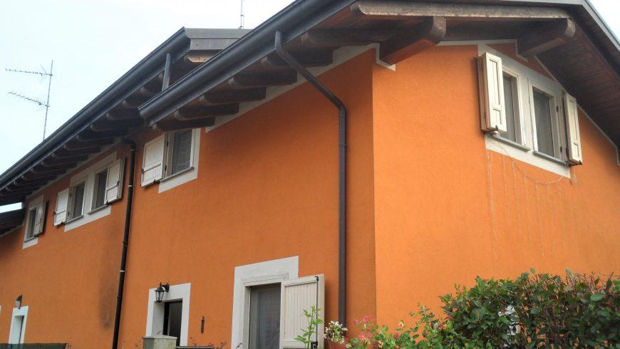 Vendesi Villetta Bifamiliare – Borgo Ticino (NO) (Campagnola) – Rif.10053