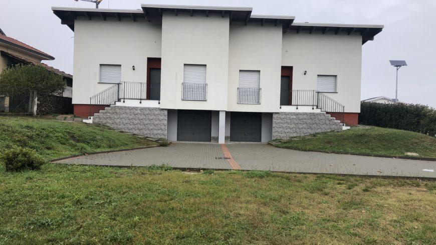 Vendesi Appartamenti in Villa Bifamiliare – Borgo Ticino (NO) – Rif.10067