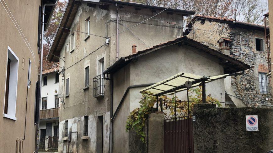 Vendesi Casa Indipendente – Gattico (NO) – Rif.10010