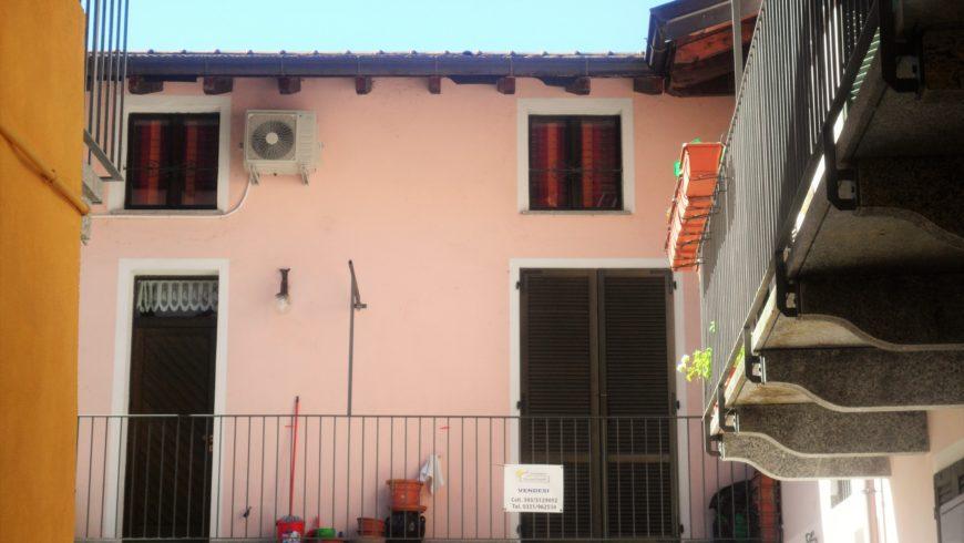 Vendesi Appartamento in Corte, Centro Paese! – Castelletto S.Ticino (NO) – Rif.20026
