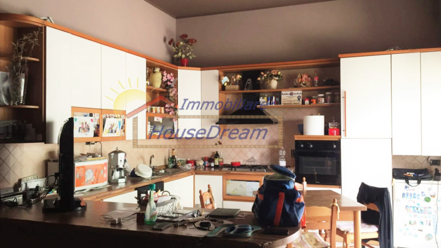 Vendesi 3 Locali Piano Rialzato – Castelletto S.Ticino (NO) – Rif.20012