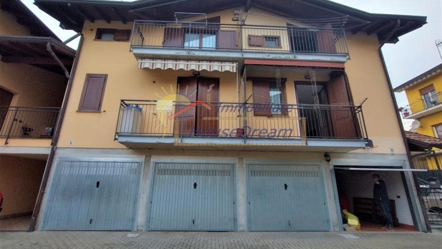 Vendesi Trilocale con Giardino – Castelletto S.Ticino (NO) – Rif.S17